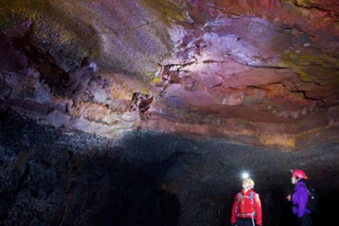 Explora la cueva de lava VÍÐGELMIR