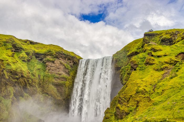 "Viaje al sur de Islandia<h5 style=""font-size: 17px; line-height: 2.1rem; background-color: #ffffff; color: #ff0000; display: inline-block;"">Desde 1000€ </h5></br>"