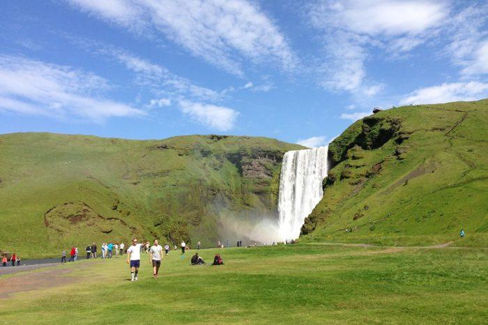 "Islandia a tu aire en 8 días 7 noches<h5 style=""font-size: 17px; line-height: 2.1rem; background-color: #485767 ; color: #ffffff; display: inline-block;""> ¡El viaje favorito de nuestros clientes! </h5></br><h5 style=""font-size: 17px; line-height: 2.1rem; background-color: #d02836; color: #ffffff; display: inline-block;""> desde 1450€ </h5></br>"