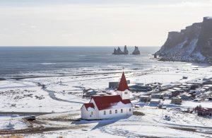 El pueblo de Vík í Mýrdal a finales del año